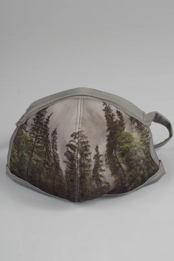 Behelfsmaske mit Baumprint