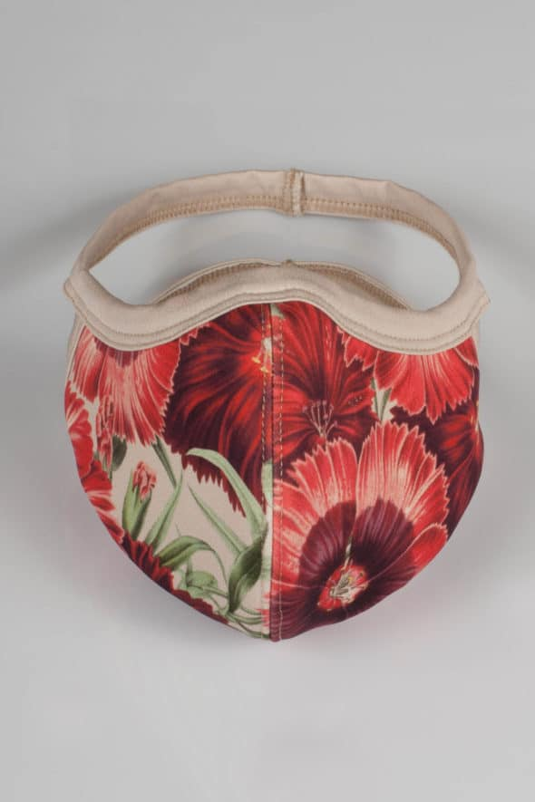 Behelfsmaske mit rotem Blumenprint